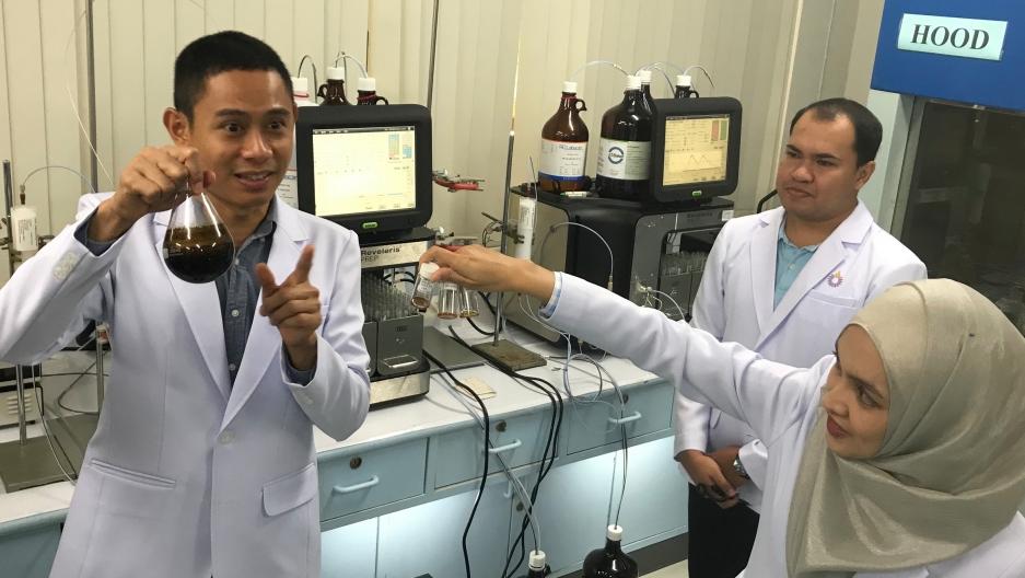 [Image: 2019-8-6-thai-cannabis-lab.jpg?itok=cGev14i6]