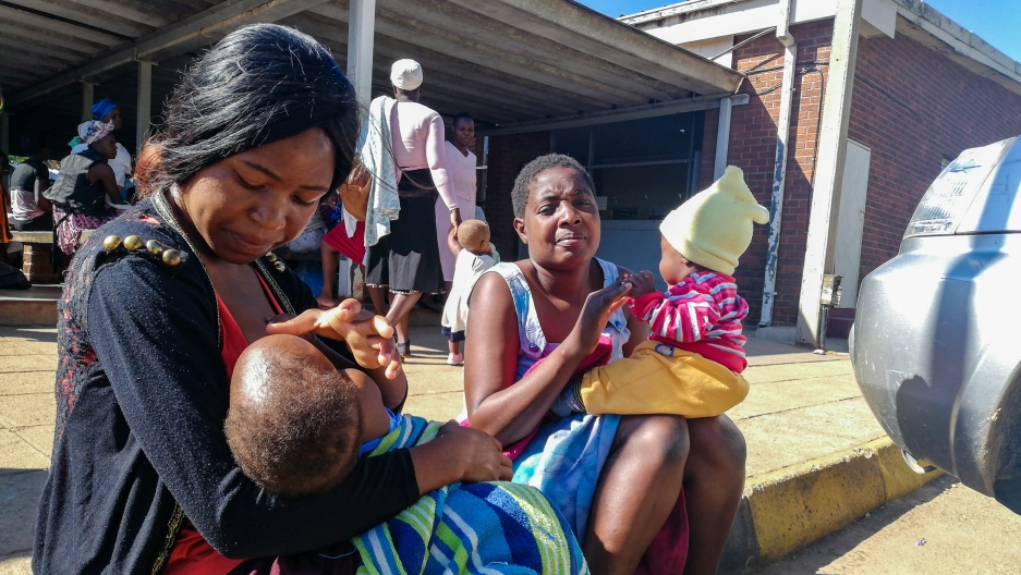 Mothers and newborns pay the 'price' during Zimbabwe medics strike
