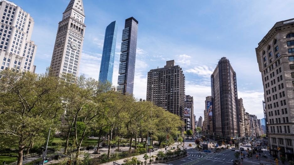 The Flatiron Building stands next to Madison Square Park as streets remain less busy due to the continuing outbreak of the coronavirus disease (COVID-19) in the Manhattan borough of New York, May 5, 2020.