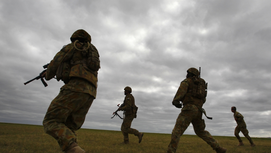 Members of Australia's special forces conduct an exercise during the Australian International Airshow in Melbourne, March 2, 2011.