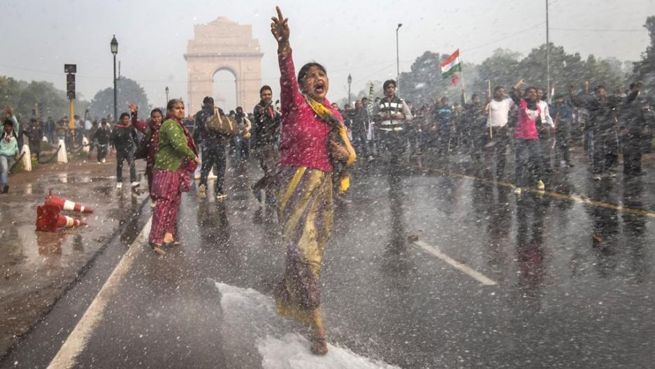india  protests resume after delhi gang rape victim dies