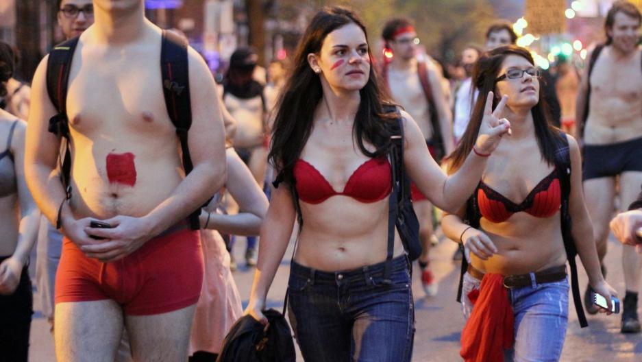 Near-nude Brazilian models celebrate underwear day