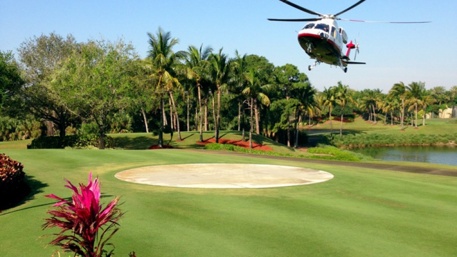 In Palm Beach Donald Trump S Exclusive Golf Resort Sits