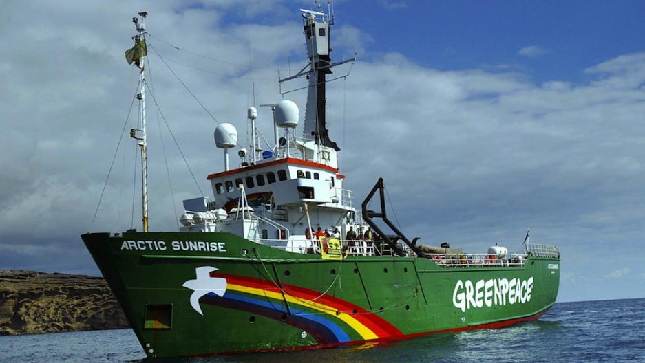 Gazprom's oil platform seized by Greenpeace activists 24.08.2012 69