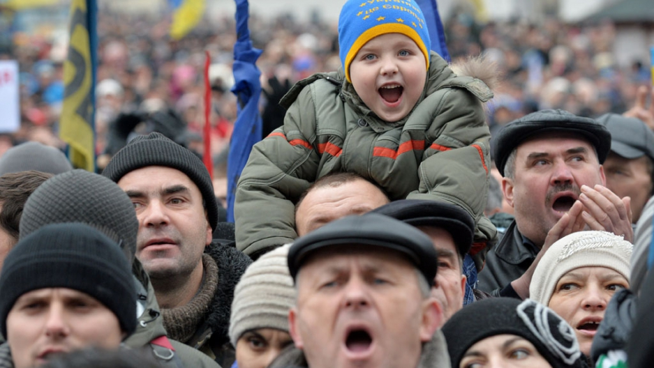 Ukraine Protests Swell After Prominent Opposition Leader S Beating The World From Prx