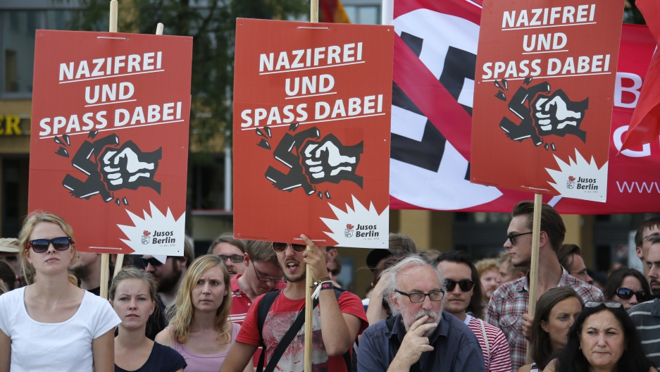 Protest against neo-Nazis