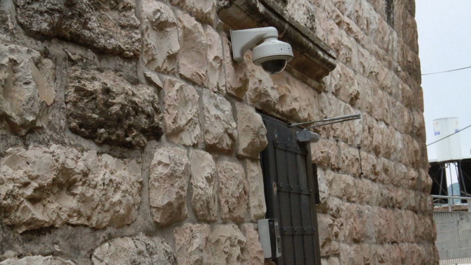 Jewish homes in the neighborhood have security cameras and intercom systems. Jewish settler homes have been under recent attack by Palestinians in the neighborhood. In recent years, armed Israeli guards in the neighborhood have shot Palestinians, accordin