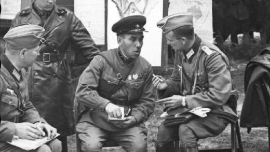 German and Soviet troops relax together during the invasion of Poland, 1939
