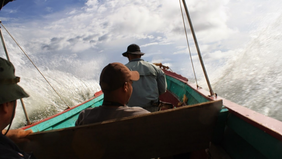 A motor panga (fishing boat) en route to Punta Patiño, a wildlife reserve in the Darién Gap.