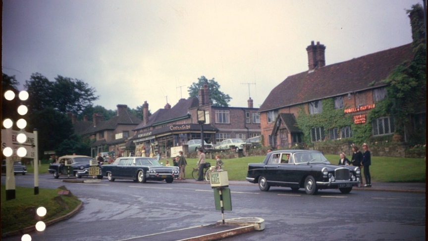 Kennedy's motorcade arrives in Forest Row Sunday, June 30th, 1963 to attend Sunday Mass.