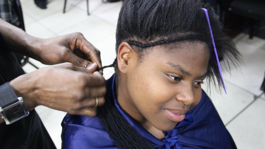 Tandie gets her hair done.