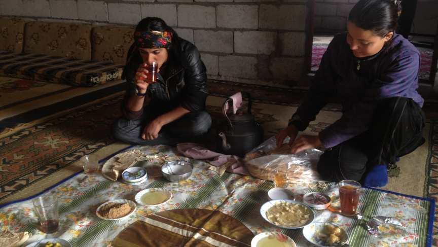 Breakfast at YPG base