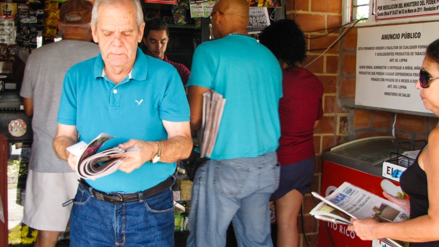 The daily scramble to get a newspaper in Maturín amid Venezuela's paper shortage.
