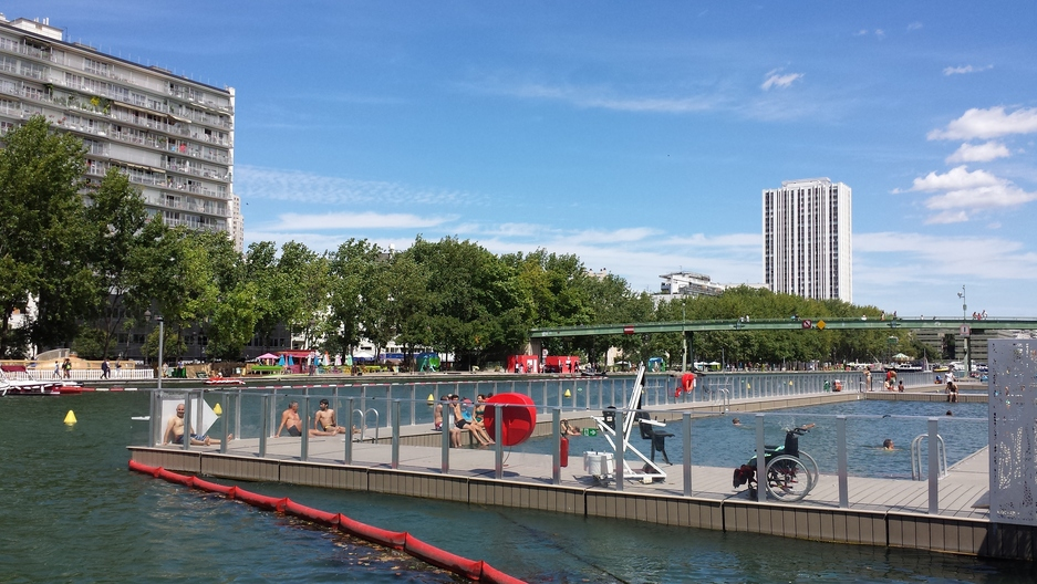 A view of the new swimming zone in a Paris canal