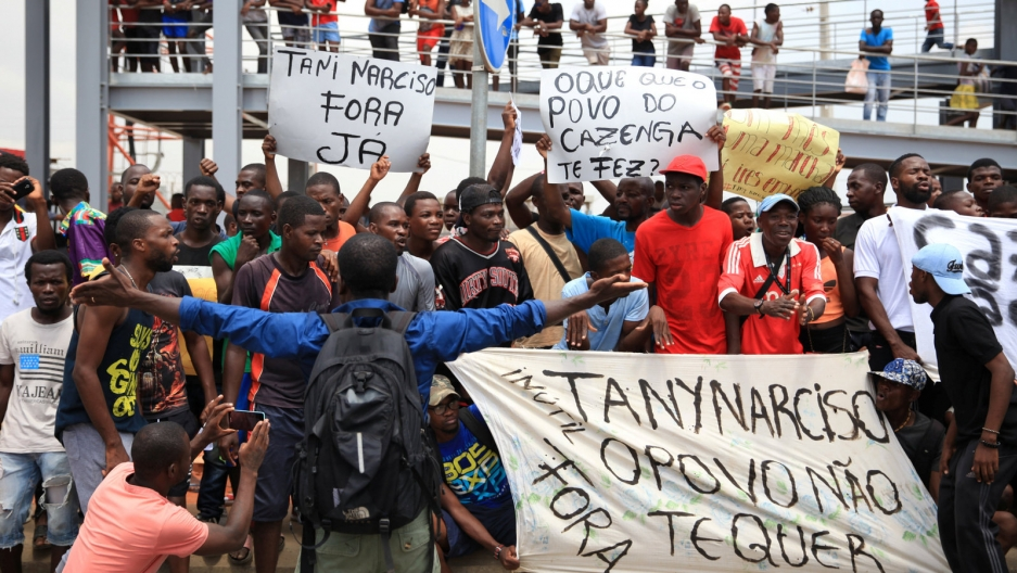 Protesters demonstrate against corruption in Luanda, Angola, April 7, 2018.