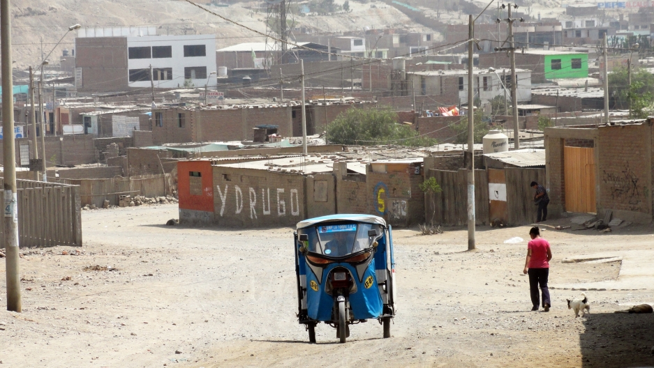 A taxi in a suburb of Lima