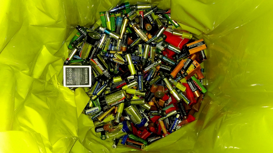 A glorious pile of batteries.