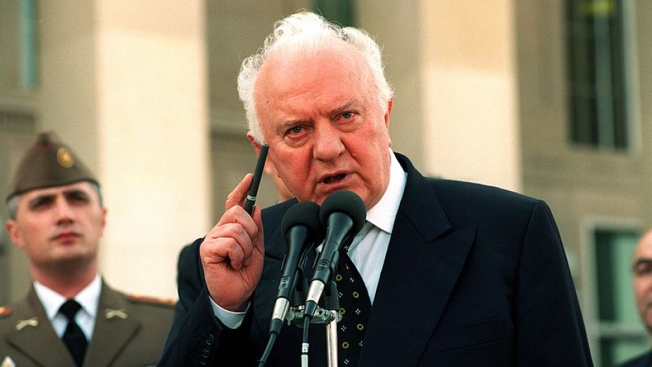 Former Georgian President Eduard Shevardnadze speaking to reporters at the US Pentagon on Oct. 5, 2001.