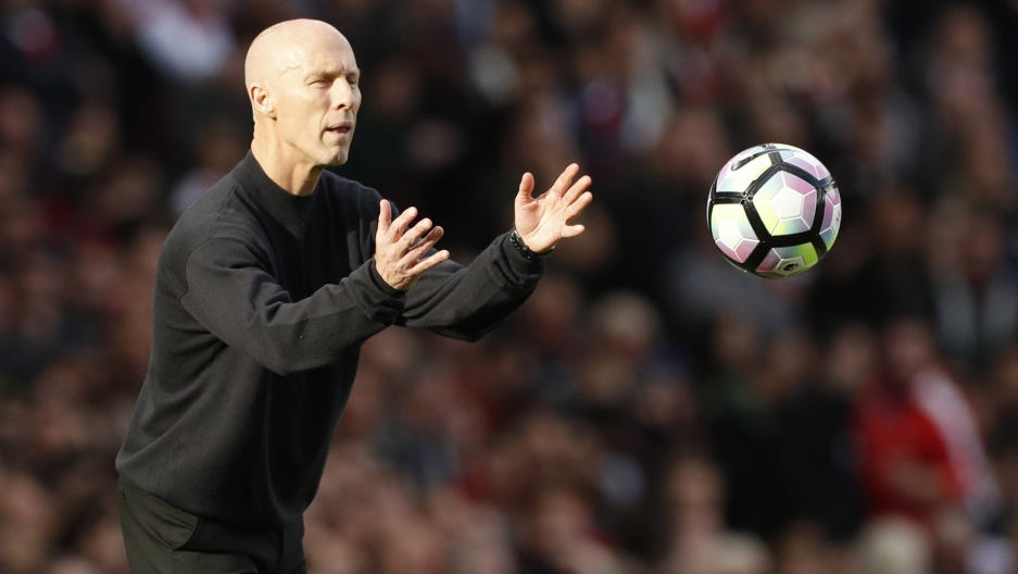 Bob Bradley during his first game as a Premier League manager, Arsenal v Swansea City, Emirates Stadium in London. October 15, 2016.