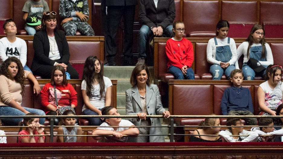 President of the Chamber of Deputies Laura Boldrini welcomes students from Sicily to the Italian Parliament. Photo from Facebok, October 2, 2017.