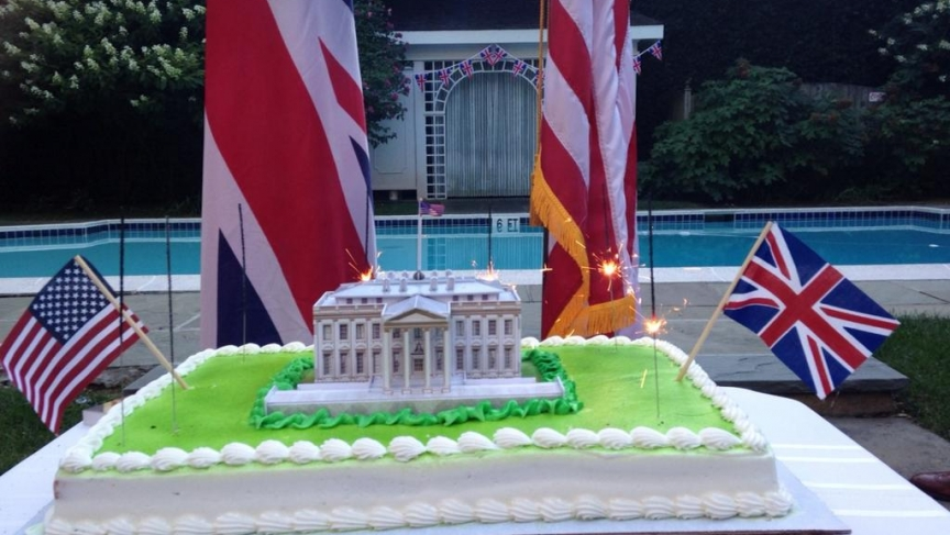 British photo showing White House cake to celebrate War of 1812
