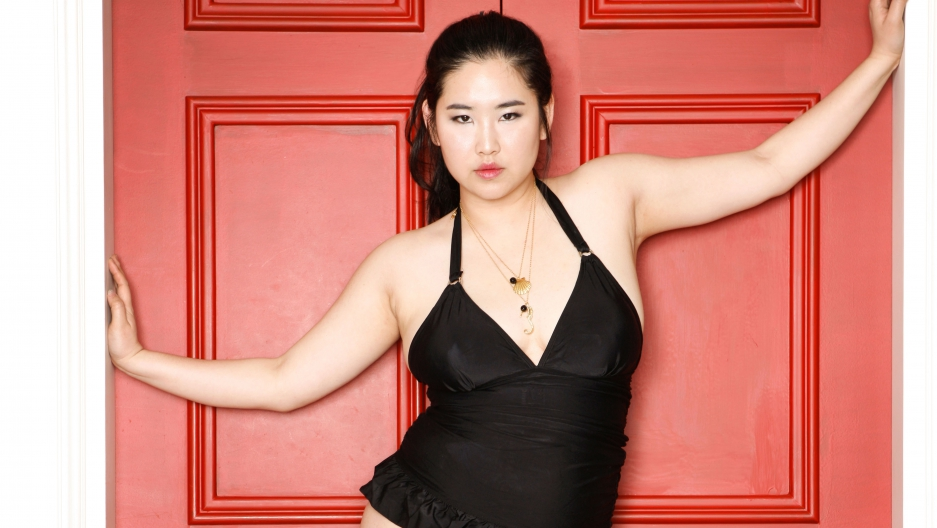 Plus size model Kim Gee-yang says her mother always told her she was fat and needed to lose weight. Now she's proud of what her daughter has accomplished.