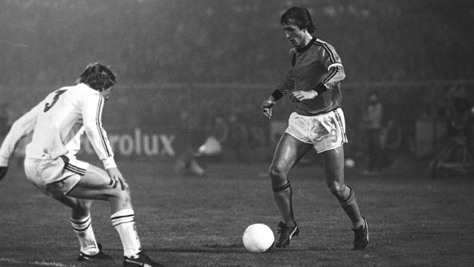 Johan Cruyff of the Netherlands during a World Cup qualifier match between the Netherlands and Belgium on october 26, 1977 at the Olympic Stadium in Amsterdams.