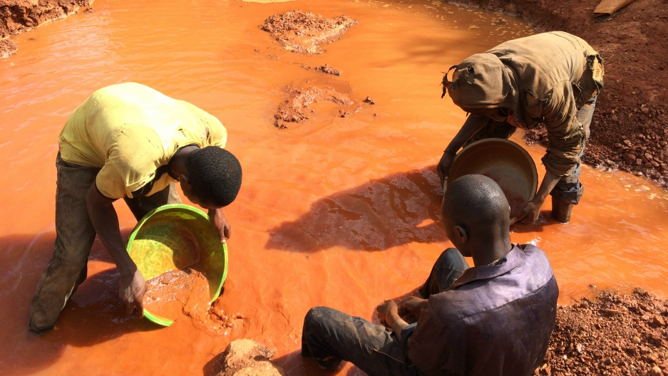 Artisanal gold miners in the Democratic Republic of the Congo use their hands and crude tools to find and extract gold.