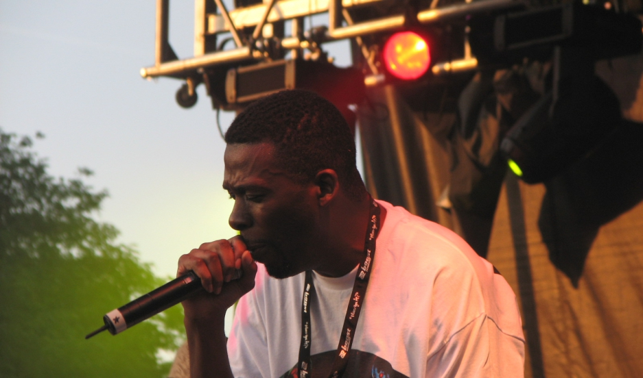 The Wu Tang Clan's GZA/The Genius performing at the 2007 Pitchfork Music Festival.