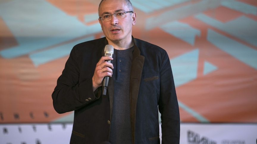 Former Russian oil tycoon Mikhail Khodorkovsky speaks during a news conference in Donetsk, Eastern Ukraine, April 27, 2014.