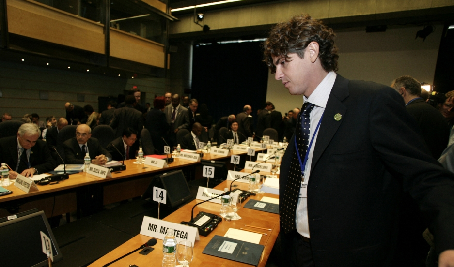 Finance Minister — and national celebrity — Martin Lousteau arrives at the session of the Development Committee during the last day of the spring IMF-World Bank meeting.