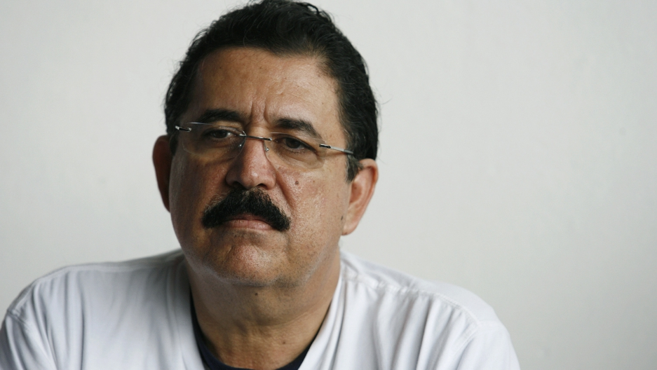 Honduras' ousted President Manuel Zelaya attends a news conference at Juan Santamaria airport in Alajuela, Costa Rica on June 28, 2009.