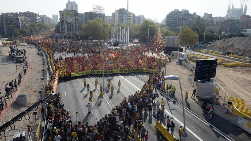 Thousands of Catalans march in Barcelona for independence