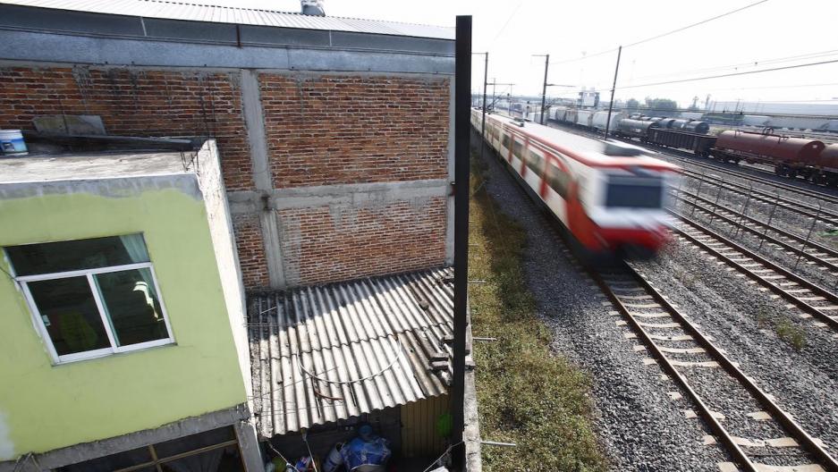 Tlalnepantla de Baz train tracks