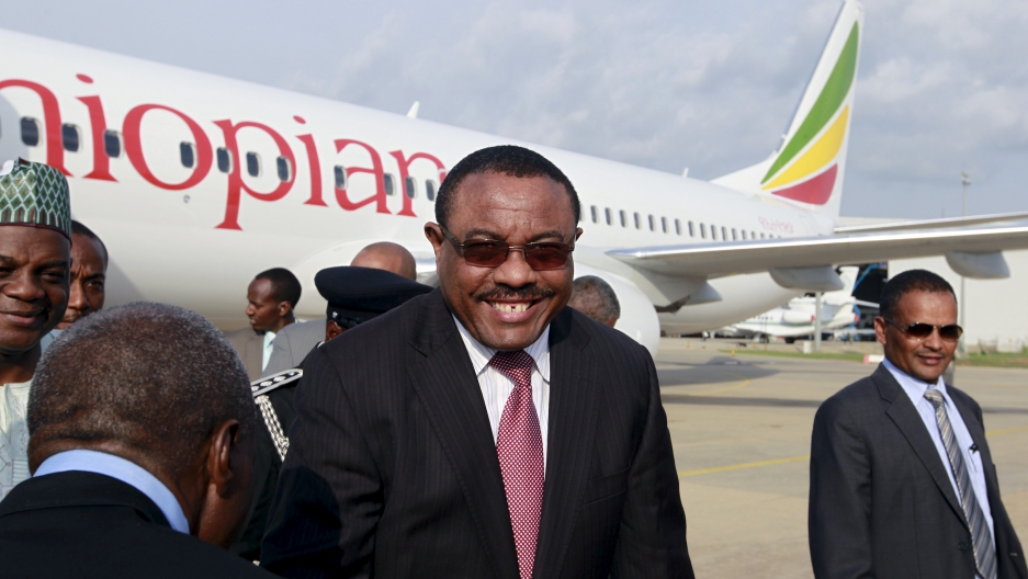 Ethiopia's Prime Minsiter Hailemariam Desalegn arrives at the presidential airport in Abuja, Nigeria May 28, 2015. What's he up to?