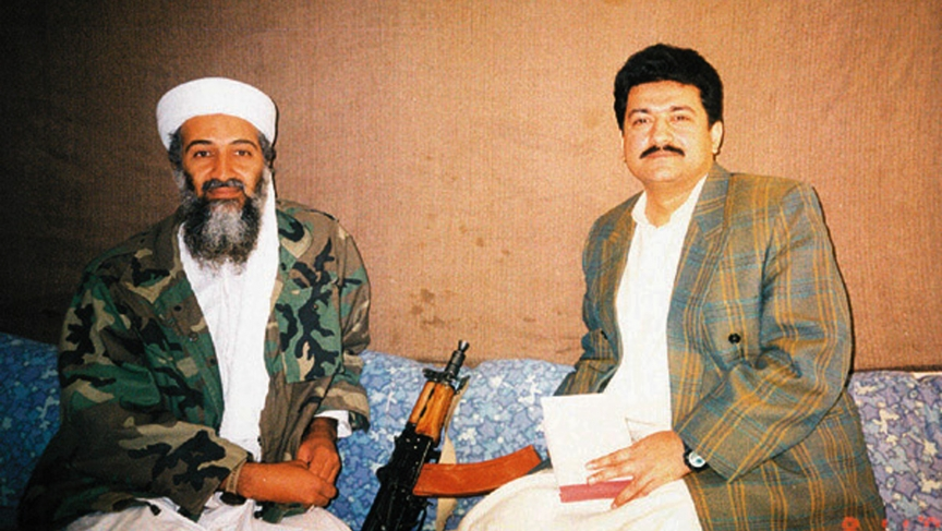 Hamid Mir interviewing Osama bin Laden, in early November 2001.