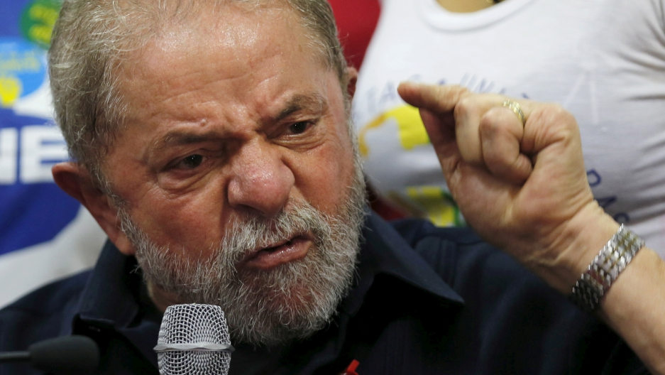 Lula speaks to media about investigation