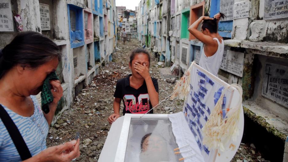 Philippines drug war funeral