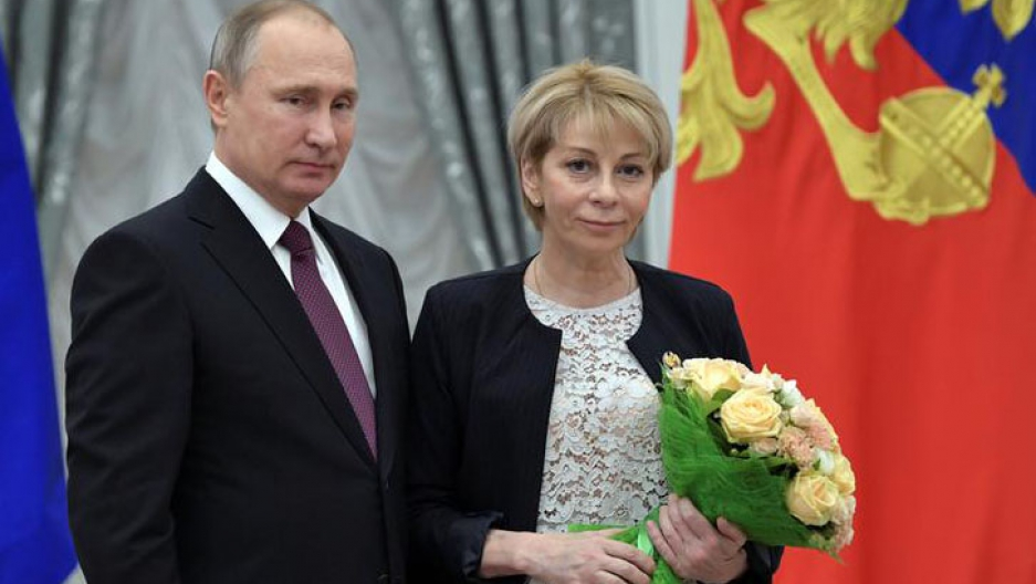 ​Russia's President Vladimir Putin (L) and head of 'Fair Aid' fund Elizaveta Glinka attend a state awarding ceremony to acknowledge charity and human rights activists at the Kremlin in Moscow, Russia, December 8, 2016.