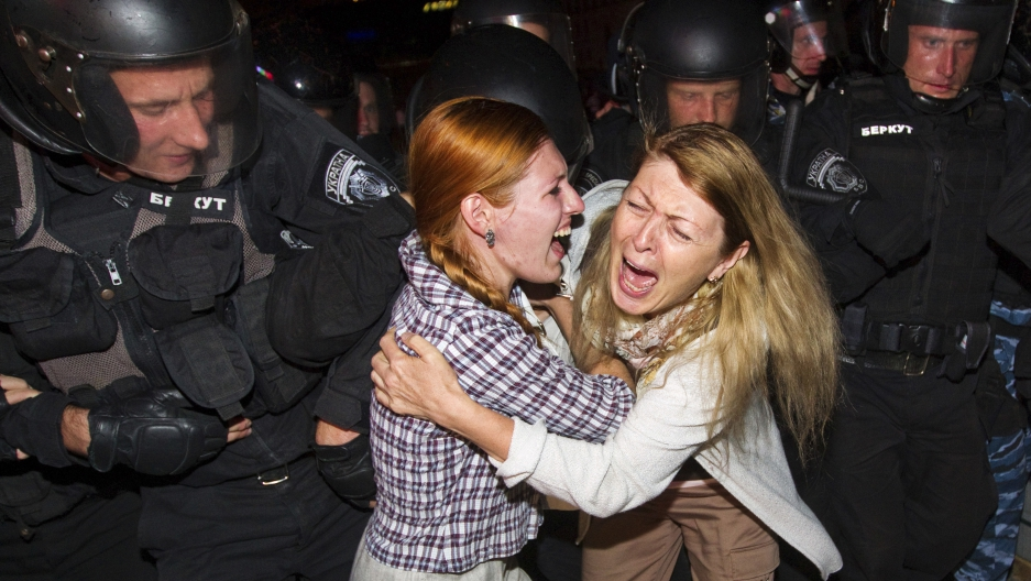 Ukraine women protest Iryna Krashkova rape 2013