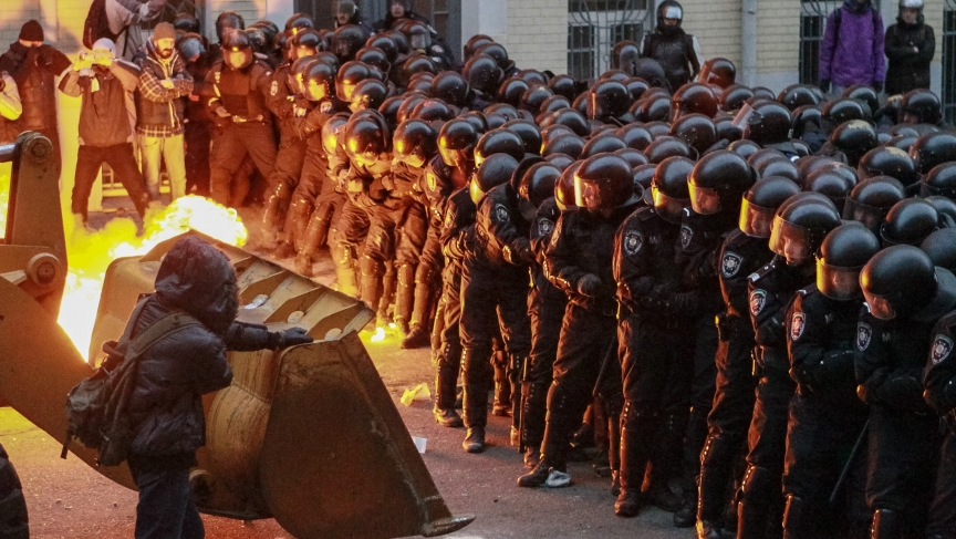 will the protests against ukraine s president yanukovych turn into