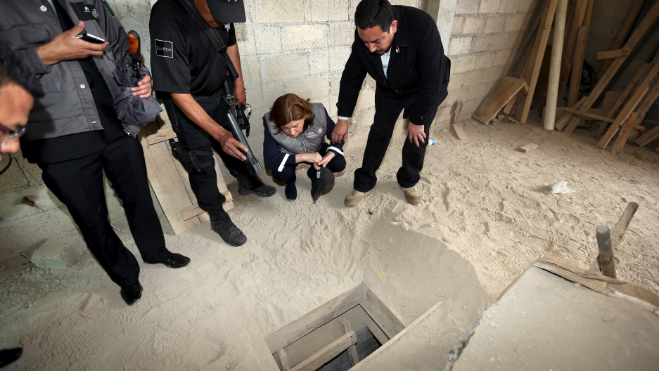 Mexican attorney general inspects tunnel