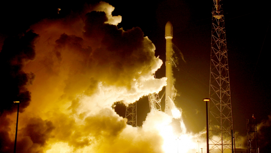 A remodeled version of the SpaceX Falcon 9 rocket lifts off at the Cape Canaveral Air Force Station on the launcher's first mission since a June failure in Cape Canaveral, Florida, December 21, 2015. The rocket carried a payload of eleven satellites owned