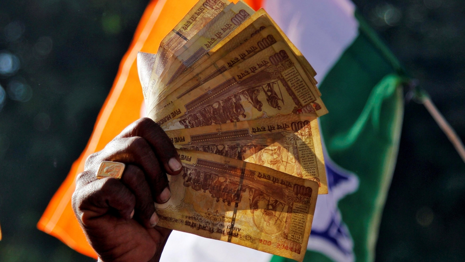 India's demonetization deadline approaches