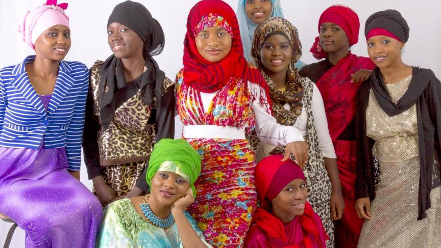 Somali Teenage Fashion Designer In Lewiston Maine Creates Eye Catching Designers For Muslim Women