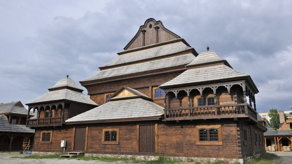 In Bilgoraj, Poland they're putting finishing touches on this replica of the Wolpa Synagogue.