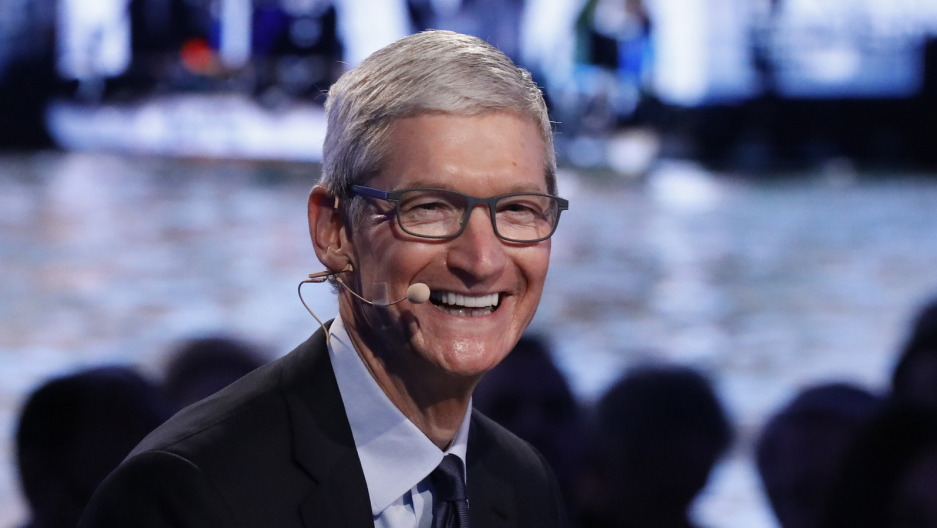 Apple CEO Tim Cook speaks at The Bloomberg Global Business Forum in New York, Sept. 20, 2017.