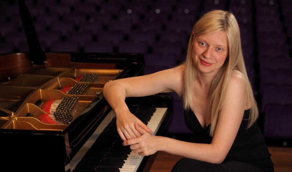 Ukrainian classical pianist Valentina Lisitska