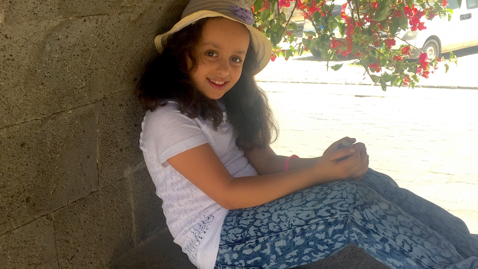 10-year-old Yemeni girl Yara makes a video urging the US and the UK ...