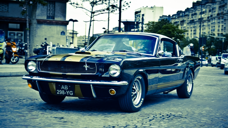 Ford Mustang in Paris